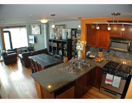 "Photo 2: 104 7 RIALTO Court in New_Westminster: Quay Condo for sale in ""MURANO LOFTS"" (New Westminster)  : MLS(r) # V710594"