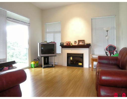 "Photo 3: 410 33318 BOURQUIN Crescent in Abbotsford: Central Abbotsford Condo for sale in ""NATURES GATE"" : MLS® # F2801735"