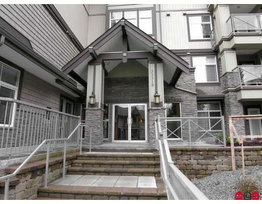 "Photo 9: 410 33318 BOURQUIN Crescent in Abbotsford: Central Abbotsford Condo for sale in ""NATURES GATE"" : MLS® # F2801735"
