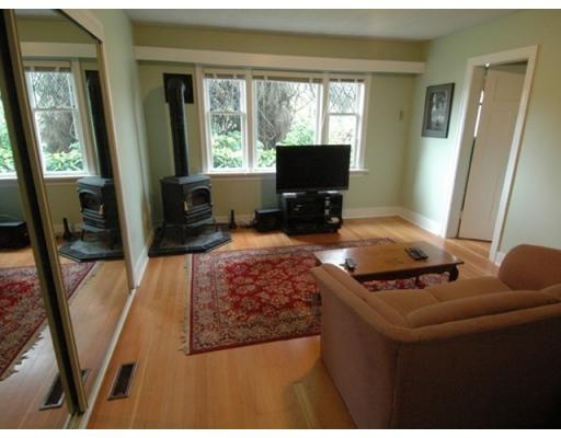 Photo 7: 850 HENDRY AV in North Vancouver: House for sale : MLS® # V884549