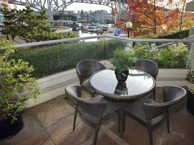 Main Photo: 201 1600 Hornby Street in Vancouver: Yaletown Condo for sale (Vancouver West)  : MLS® # V921198