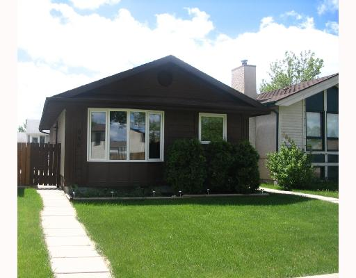 Main Photo: 686 ADSUM Drive in WINNIPEG: Maples / Tyndall Park Residential for sale (North West Winnipeg)  : MLS® # 2810559