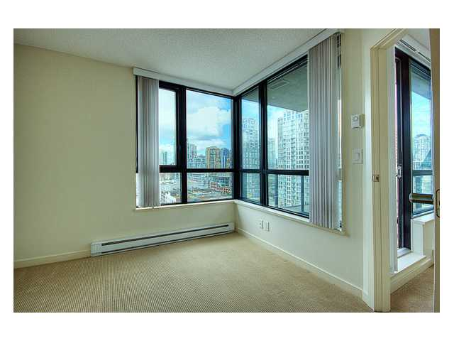 "Photo 6: # 1410 977 MAINLAND ST in Vancouver: Downtown VW Condo for sale in ""YALETOWN PARK 3"" (Vancouver West)  : MLS(r) # V836705"
