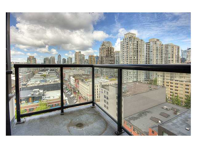 "Photo 7: # 1410 977 MAINLAND ST in Vancouver: Downtown VW Condo for sale in ""YALETOWN PARK 3"" (Vancouver West)  : MLS(r) # V836705"