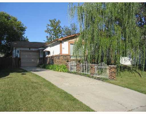Main Photo: 91 LAKE ALBRIN Bay in WINNIPEG: Fort Garry / Whyte Ridge / St Norbert Single Family Detached for sale (South Winnipeg)  : MLS®# 2715005