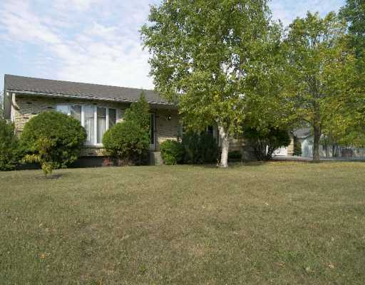Main Photo: TOUROND RD in Niverville: Glenlea / Ste. Agathe / St. Adolphe / Grande Pointe / Ile des Chenes / Vermette / Niverville Single Family Detached for sale (Winnipeg area)  : MLS(r) # 2616245