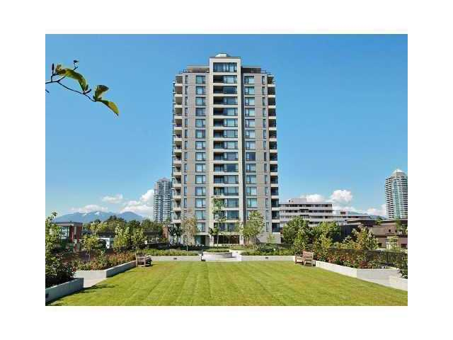 Main Photo: 409 4182 Dawson Street in Burnaby: Condo  : MLS®# V830359