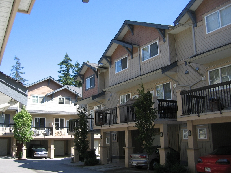 "Photo 2: 56 5839 PANORAMA Drive in Surrey: Sullivan Station Townhouse for sale in ""Forest Gate"" : MLS(r) # F2720827"
