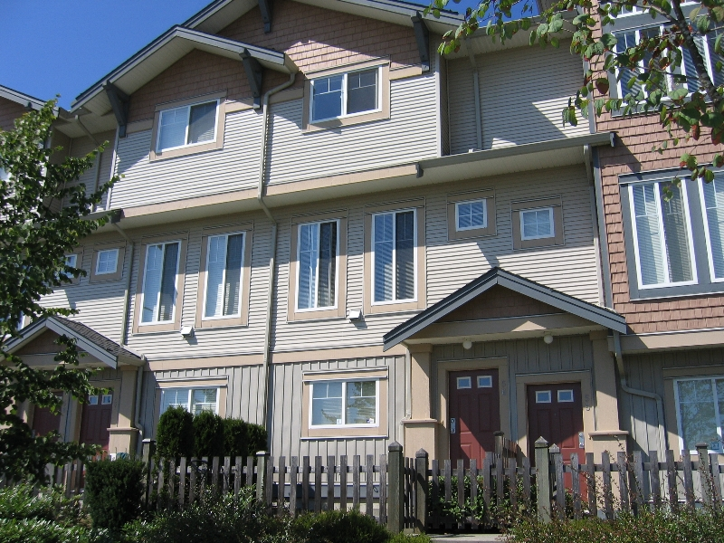 "Photo 1: 56 5839 PANORAMA Drive in Surrey: Sullivan Station Townhouse for sale in ""Forest Gate"" : MLS(r) # F2720827"