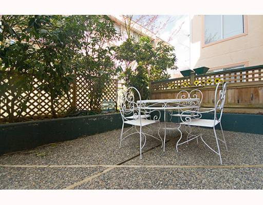 "Photo 10: 1009 HOWAY Street in New Westminster: Uptown NW Condo for sale in ""HUNTINGTON WEST"" : MLS(r) # V637575"