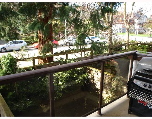 "Photo 8: 1775 W 10TH Ave in Vancouver: Fairview VW Condo for sale in ""STANFORD COURT"" (Vancouver West)  : MLS® # V638977"