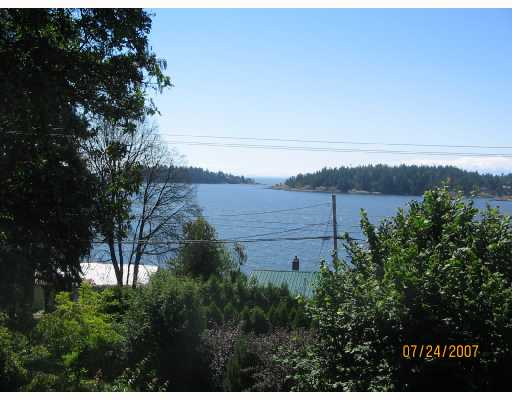 "Photo 5: Photos: 6672 HIGHWAY 101 BB in Sechelt: Sechelt District House for sale in ""WEST SECHELT"" (Sunshine Coast)  : MLS® # V660075"