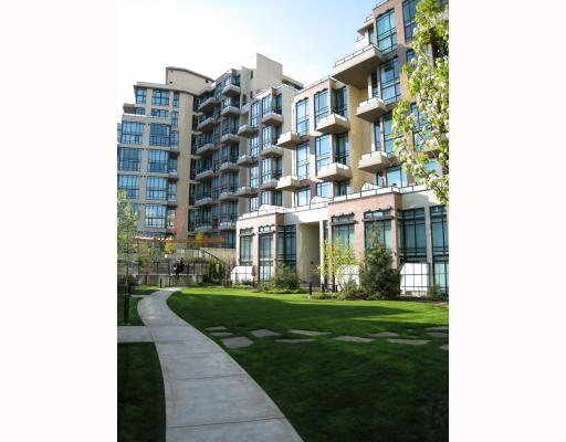 "Main Photo: 308 10 RENAISSANCE Square in New_Westminster: Quay Condo for sale in ""MURANO LOFT"" (New Westminster)  : MLS®# V713363"