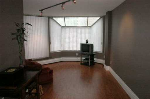 "Photo 3: 950 DRAKE Street in Vancouver: Downtown VW Condo for sale in ""ANCHOR POINT II"" (Vancouver West)  : MLS(r) # V622840"