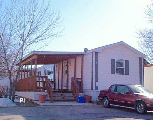 Main Photo: 7 SILVERDALE Crescent in Winnipeg: St Vital Mobile Home for sale (South East Winnipeg)  : MLS® # 2604314