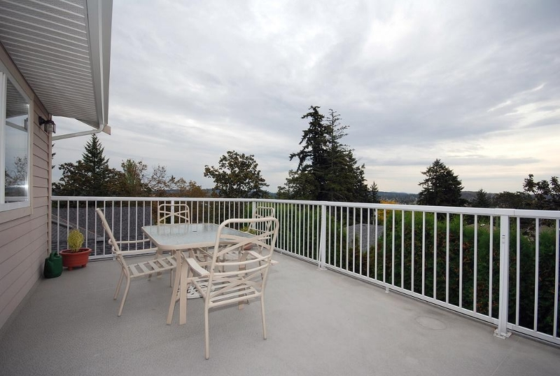 Photo 11: 1282 Geric Pl in Victoria: Residential for sale : MLS® # 269222