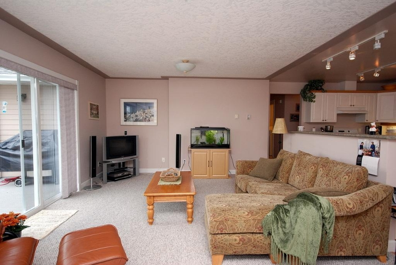 Photo 10: 1282 Geric Pl in Victoria: Residential for sale : MLS® # 269222