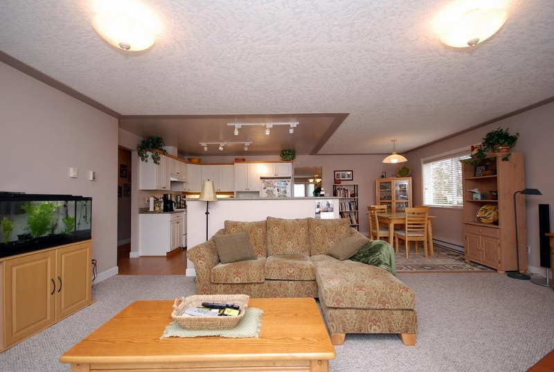 Photo 18: 1282 Geric Pl in Victoria: Residential for sale : MLS® # 269222