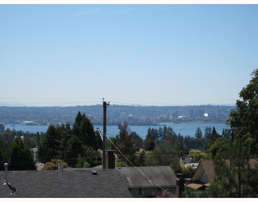 Photo 7: 235 W KINGS Road in North_Vancouver: Upper Lonsdale House for sale (North Vancouver)  : MLS® # V666660
