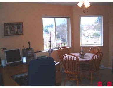 Photo 4: # 401 46777 YALE RD: Chilliwack Condo for sale : MLS® # H2700562