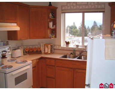 Photo 5: # 401 46777 YALE RD: Chilliwack Condo for sale : MLS® # H2700562