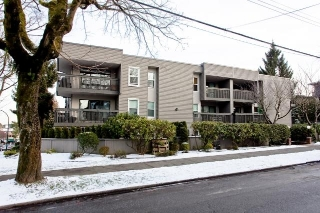 "Main Photo: # 306 3020 QUEBEC ST in Vancouver: Mount Pleasant VE Condo for sale in ""KARMA ROSE"" (Vancouver East)  : MLS® # V928847"