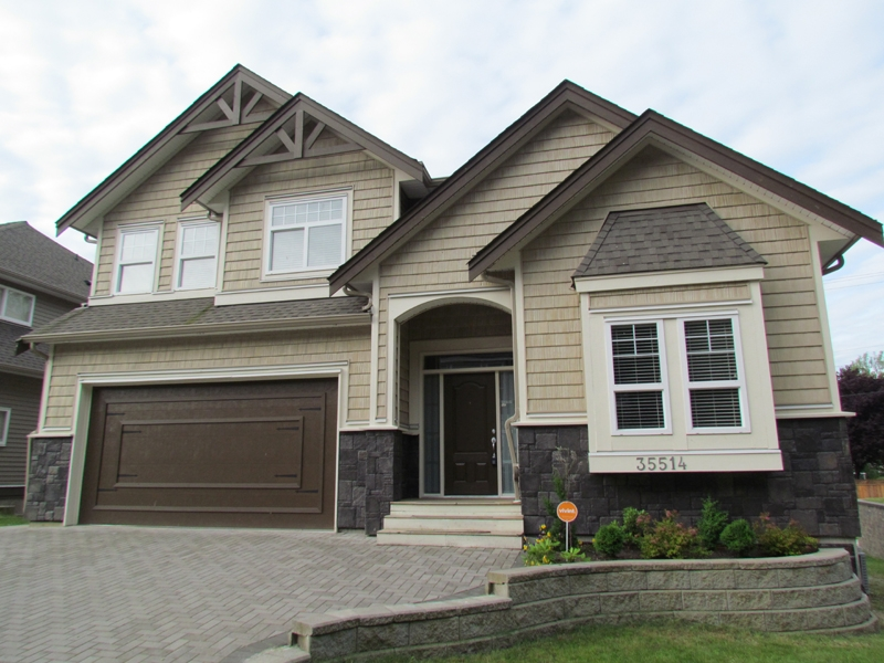FEATURED LISTING: 35514 ZANATTA Lane ABBOTSFORD