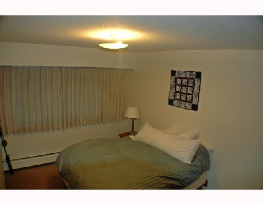 "Photo 5: 307 2330 MAPLE Street in Vancouver: Kitsilano Condo for sale in ""MAPLE GARDENS"" (Vancouver West)  : MLS(r) # V680162"