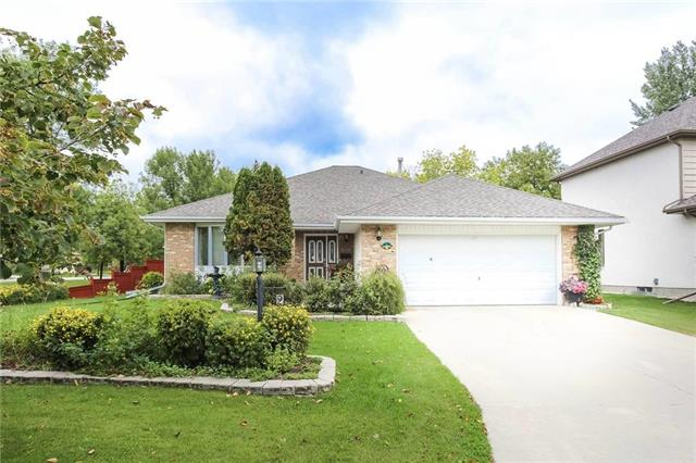 FEATURED LISTING: 2 Foxmeadow Drive Winnipeg