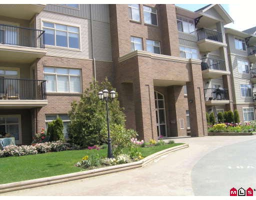 "Main Photo: 404 45769 STEVENSON Road in Sardis: Sardis East Vedder Rd Condo for sale in ""PARK PLACE"" : MLS(r) # H2802453"