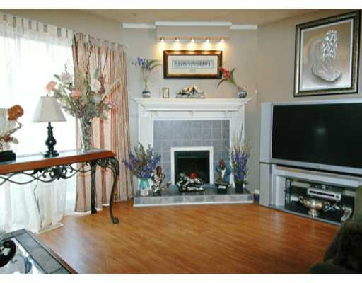 "Main Photo: 22162 122ND Ave in Maple Ridge: West Central Townhouse for sale in ""GOLDEN EARS CONDO"" : MLS® # V633103"