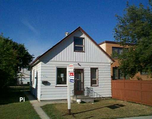Main Photo: 906 MOUNTAIN Avenue in Winnipeg: North End Single Family Detached for sale (North West Winnipeg)  : MLS(r) # 2613365
