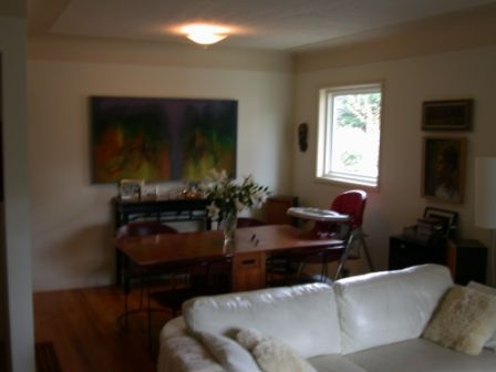Photo 2: 1073 Davie St in Victoria: Residential for sale : MLS® # 289115