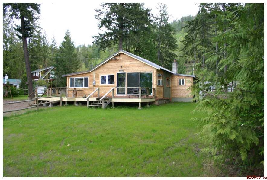 Main Photo: 3272 Eagle Bay Road in Eagle Bay: Residential Detached for sale : MLS(r) # 10007890