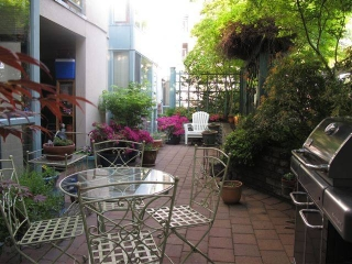 "Main Photo: # 202 212 LONSDALE AV in North Vancouver: Lower Lonsdale Condo for sale in ""Two One Two"" : MLS® # V893037"