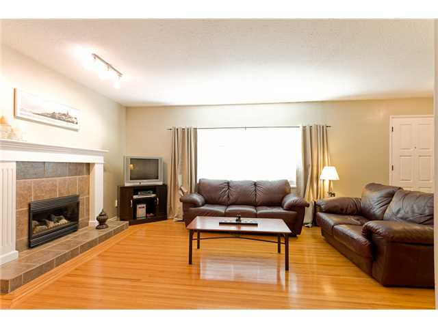 Photo 3: 827 Weston Street in Coquitlam: Harbour Place House for sale : MLS(r) # V914379