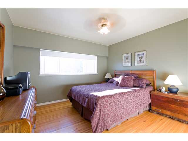 Photo 4: 827 Weston Street in Coquitlam: Harbour Place House for sale : MLS(r) # V914379