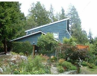 Main Photo: 1528 HENDERSON RD in Roberts_Creek: Roberts Creek House for sale (Sunshine Coast)  : MLS®# V546830