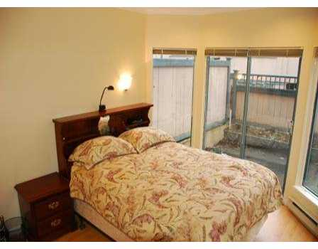 "Photo 6: 939 W 7TH Ave in Vancouver: Fairview VW Townhouse for sale in ""MERIDIAN COURT"" (Vancouver West)  : MLS® # V630039"