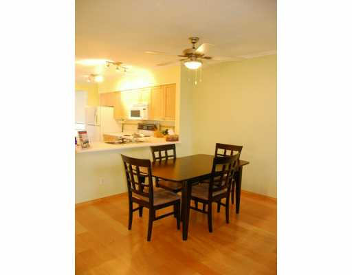 "Photo 8: 939 W 7TH Ave in Vancouver: Fairview VW Townhouse for sale in ""MERIDIAN COURT"" (Vancouver West)  : MLS® # V630039"