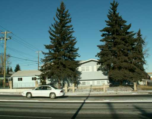 Main Photo:  in CALGARY: Huntington Hills Residential Detached Single Family for sale (Calgary)  : MLS(r) # C3243881