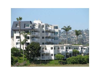 Main Photo: PACIFIC BEACH All Other Attached for sale : 1 bedrooms : 4015 Crown Point Dr # 303