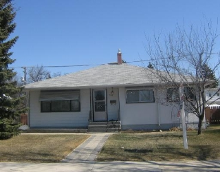 Main Photo: 714 LINDSAY Street in WINNIPEG: River Heights / Tuxedo / Linden Woods Residential for sale (South Winnipeg)  : MLS(r) # 2804448