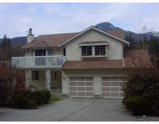 Main Photo: 1717 YMCA Road in Gibsons: Gibsons & Area House for sale (Sunshine Coast)  : MLS® # V698561