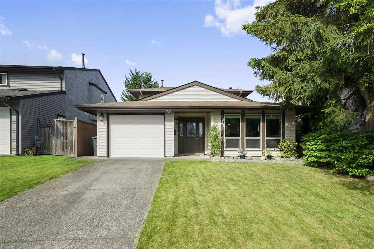 FEATURED LISTING: 2537 WILDING Crescent Langley