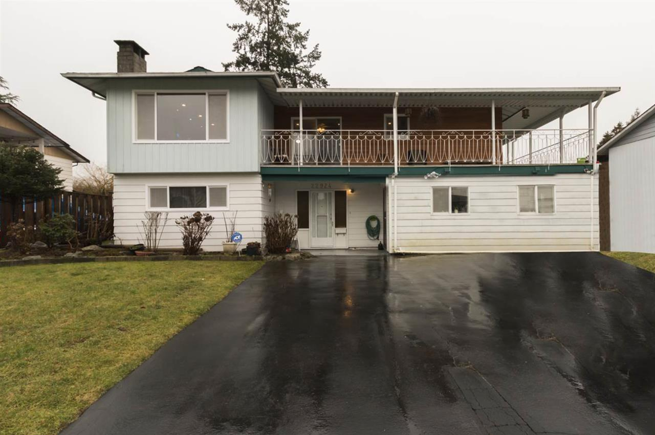 FEATURED LISTING: 22924 123 Avenue Maple Ridge
