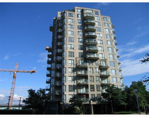 "Main Photo: PH1 828 AGNES Street in New_Westminster: Downtown NW Condo for sale in ""Westminster Towers"" (New Westminster)  : MLS®# V654129"