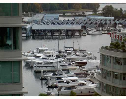 "Main Photo: 802 1790 BAYSHORE Drive in Vancouver: Coal Harbour Condo for sale in ""BAYSHORE GARDENS"" (Vancouver West)  : MLS®# V672591"