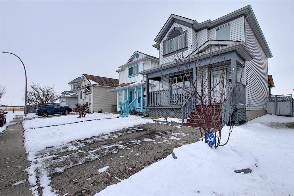 FEATURED LISTING: 47 Appleburn Close Southeast Calgary