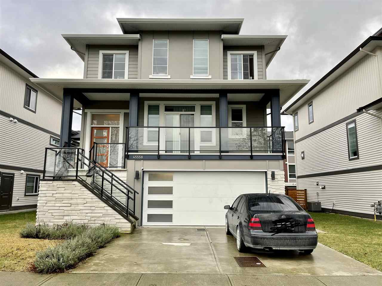 FEATURED LISTING: 45558 MEADOWBROOK Drive Chilliwack